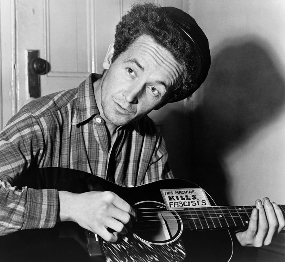 976px-Woody_Guthrie_2