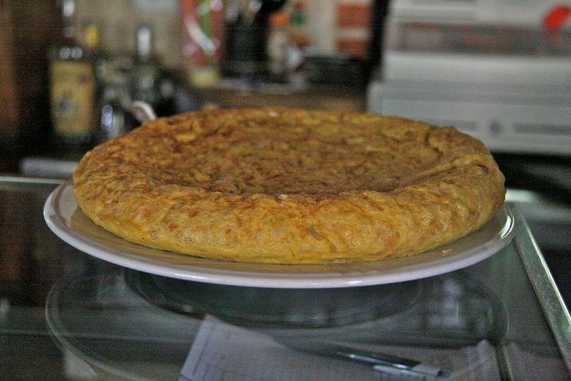 1024px-tortilla_espan%cc%83ola_plato