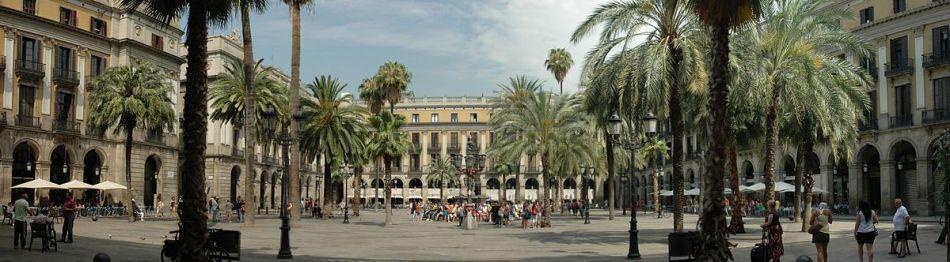 1200px-Barcelona_-_Plaça_Reial