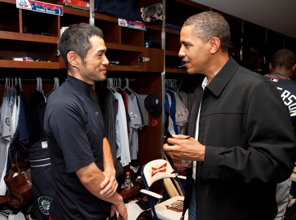 Ichiro_Suzuki_and_Barack_Obama